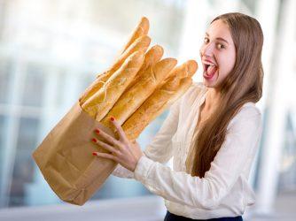 Roti Macam Apa yang Dijual di Apotek Century?