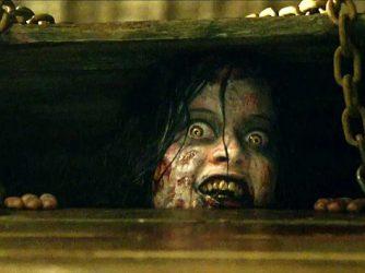 Evil Dead (2013): Remake yang Lebih 'Boros' Darah Dibandingkan Versi Asli